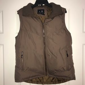 i 5 Puffer Vest Size M with Sweater Collar.
